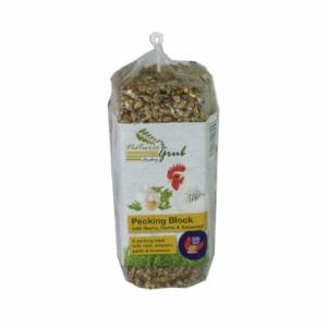 Natures Grub Pecking Block with Garlic, Herbs and Seaweed 280g
